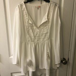 Gianni Bini white blouse